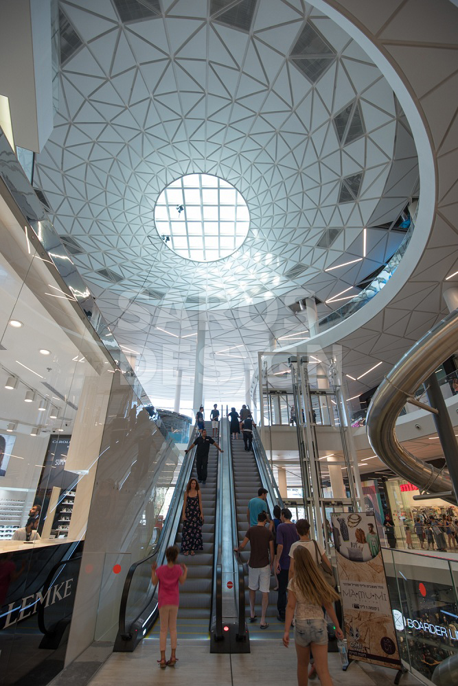 shopping-center-oshiland-stretch-ceiling-saros-design-image-1