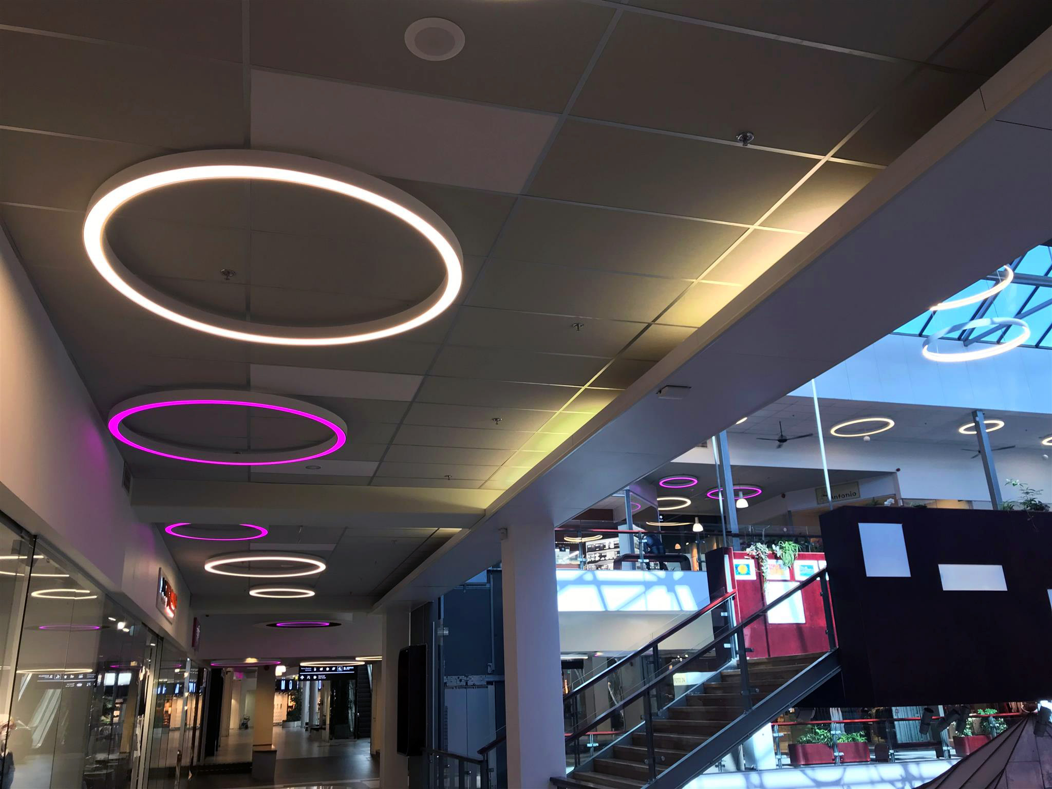 saros-lighting-solutions-shopping-mall-estonia-image-7