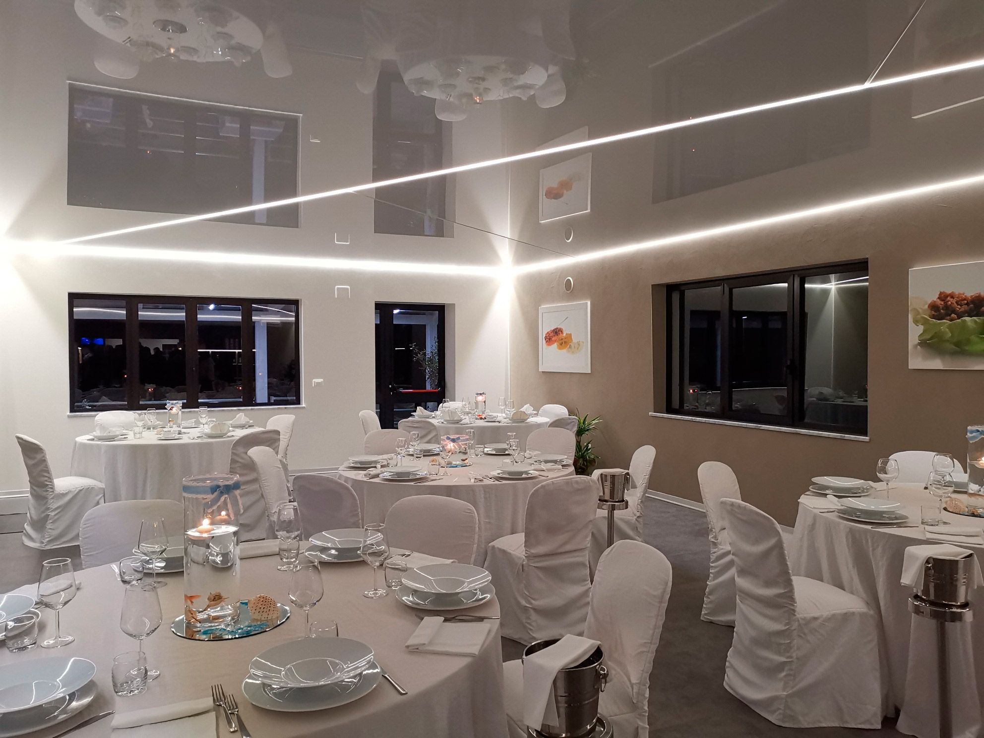 stretch-ceiling-restaurant-italy-image-1